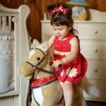 фотография девочки на лошадке