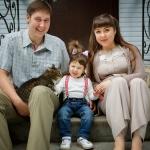 семейная фотография на крылечке
