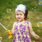 фотография девочка и мыльные пузыри