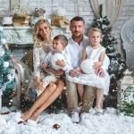 семья на снегу в студии совместно с www.kovtundesign.ru