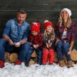 дети и взрослые на снегу в студии совместно с www.kovtundesign.ru